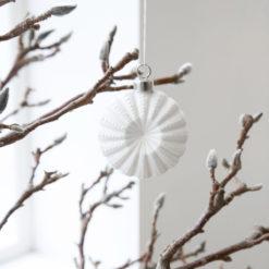 Flower julekule hvit - House Doctor